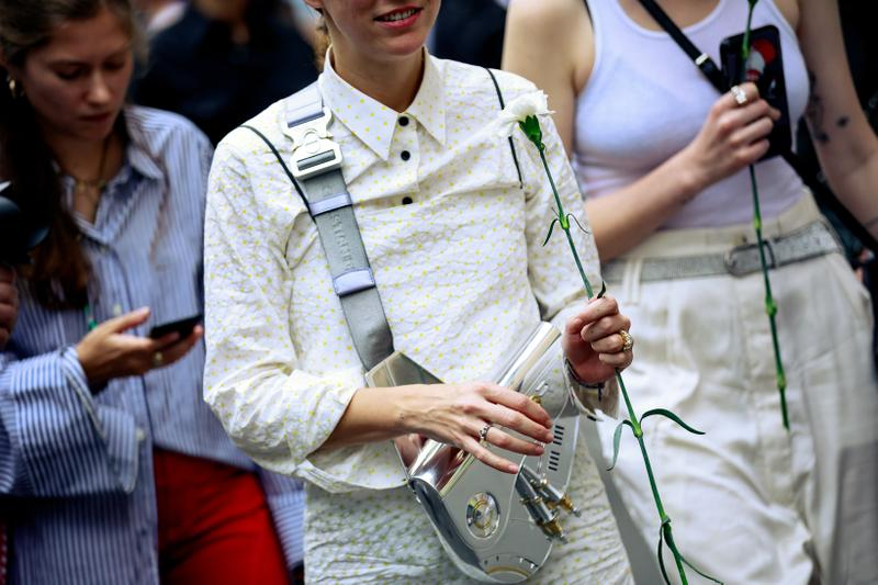 Paris Fashion Week Men's Spring Summer 2020 Street Style Top White Dior Bag Silver