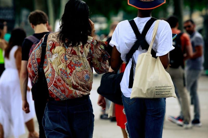 Paris Fashion Week Men's Spring Summer 2020 Street Style Shirt White Bag Tan