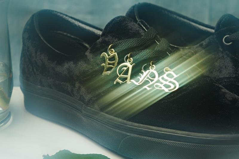 Vans Era Crushed Velvet Gold Logo Charms Nameplate Black