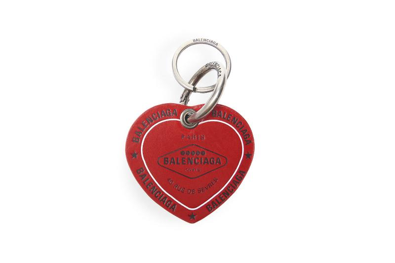 balenciage casino heart keyrings accessory keys luxury women fuchsia black vivid red