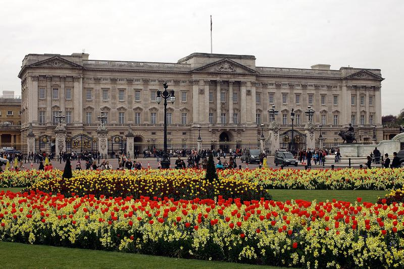 buckingham palace leonardo da vinci themed escape room queens gallery london england