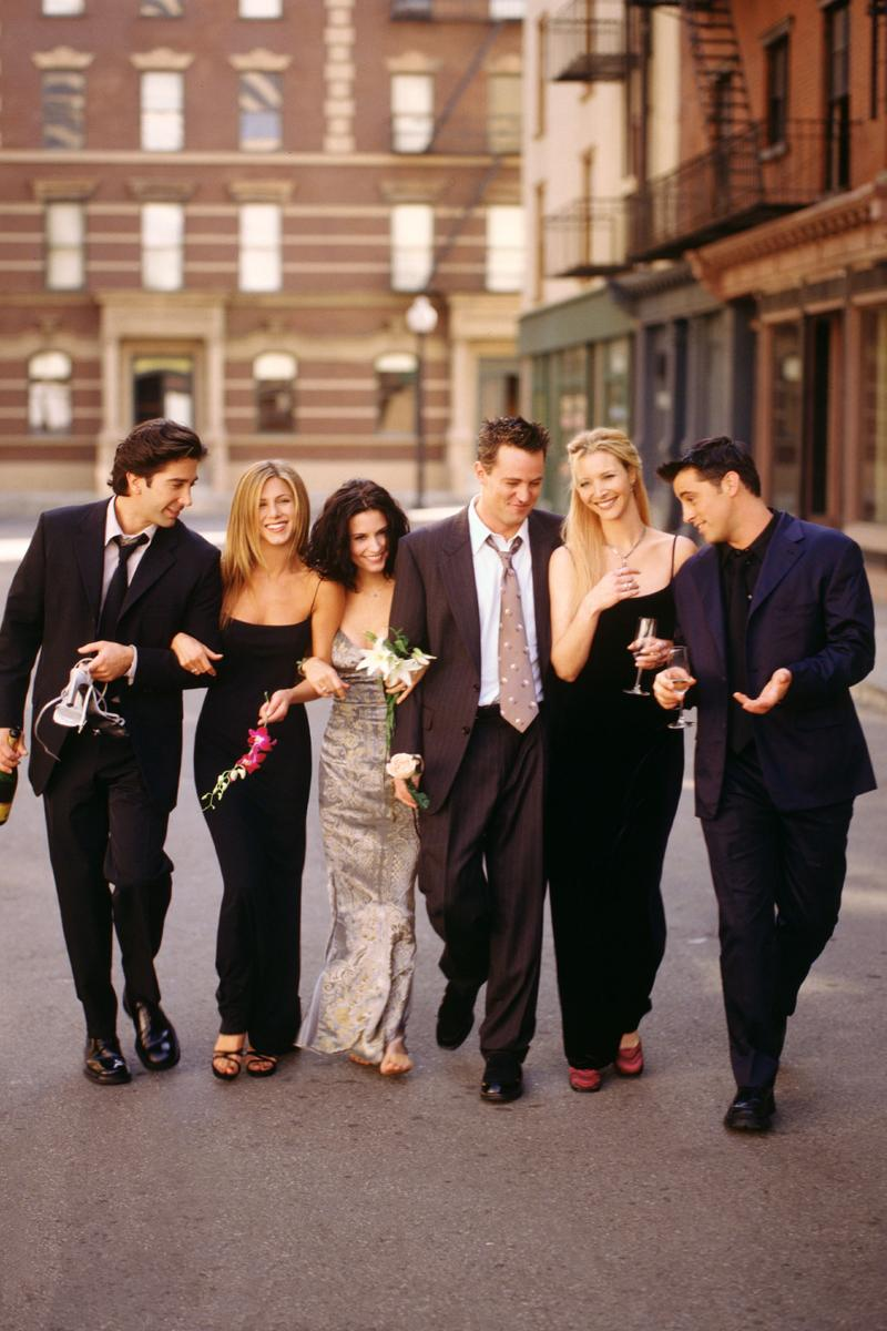 Friends David Schwimmer Ross Geller Jennifer Aniston Rachel Green Courteney Cox Monica Matthew Perry Chandler Bing Lisa Kudrow Phoebe Buffay Matt LeBlanc Joey Tribbiani TV sitcom show series nbc warner bros comedy ensemble cast