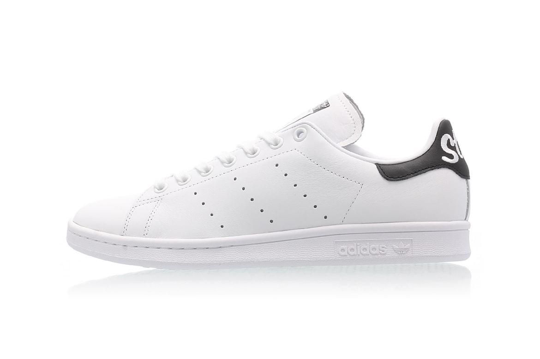 basura aspecto Cuyo  adidas' Stan Smith Cursive Heel in Black & White | HYPEBAE