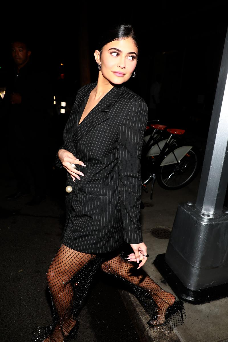 Kylie Jenner Style Stormi Blazer Black Crop Top Fashion Nails Makeup Hair
