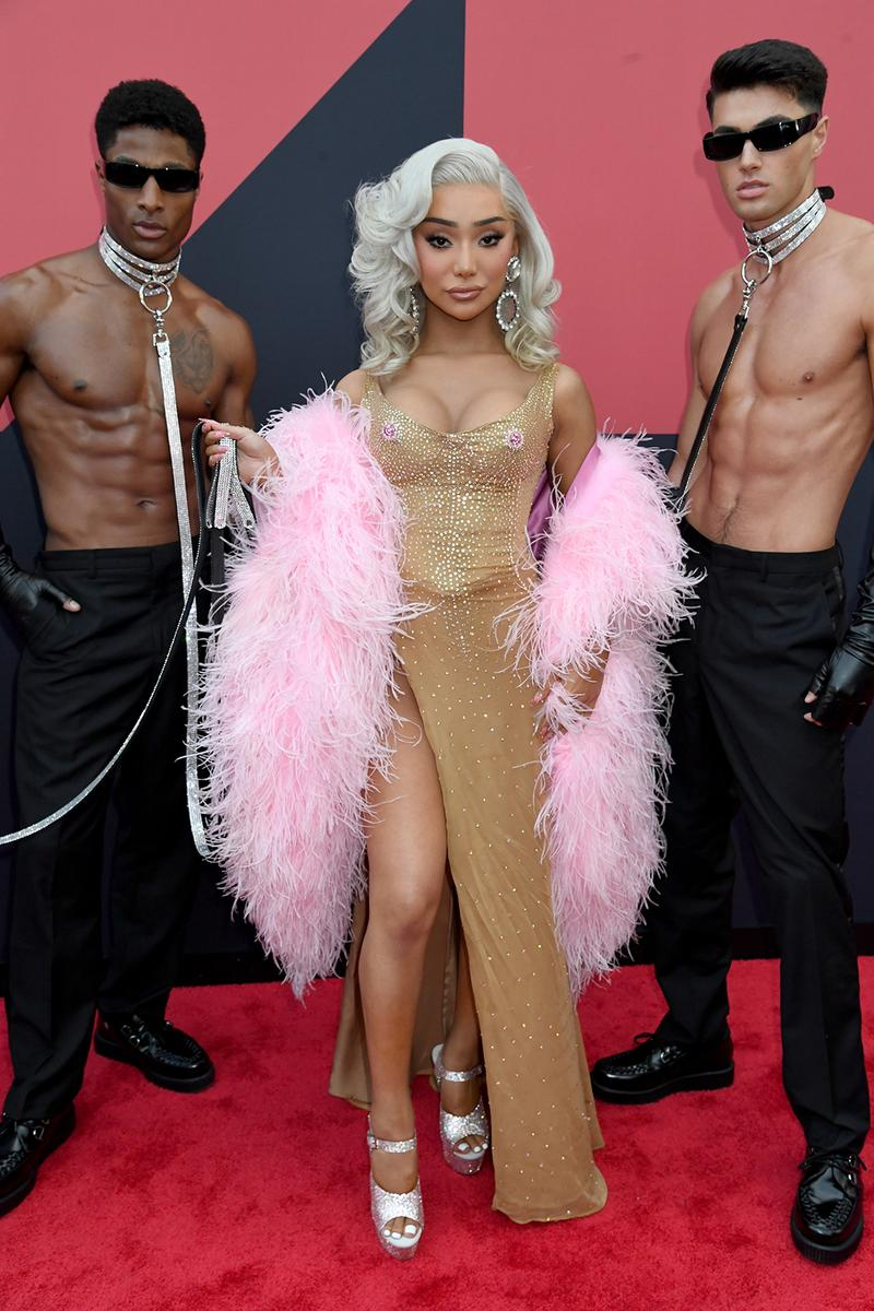 mtv video music awards 2019 red carpet nikita dragun