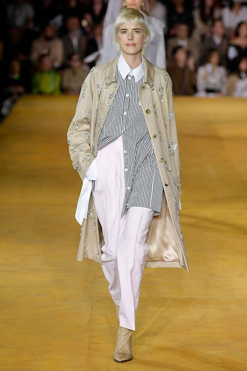 Burberry Riccardo Tisci Spring Summer 2020 London Fashion Week Trench Coat Tan Pants Pink
