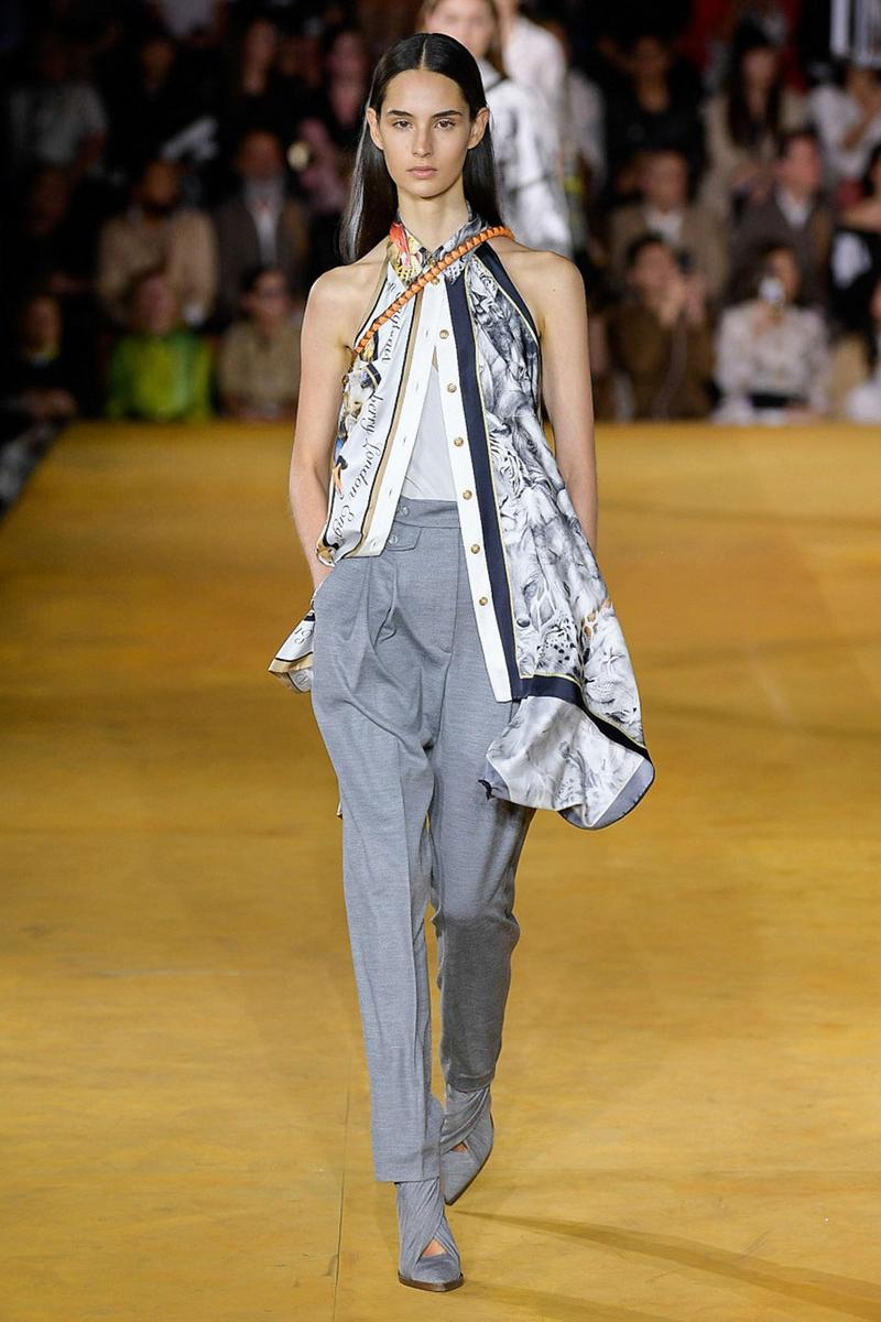 Burberry Riccardo Tisci Spring Summer 2020 London Fashion Week Top White Pants Grey