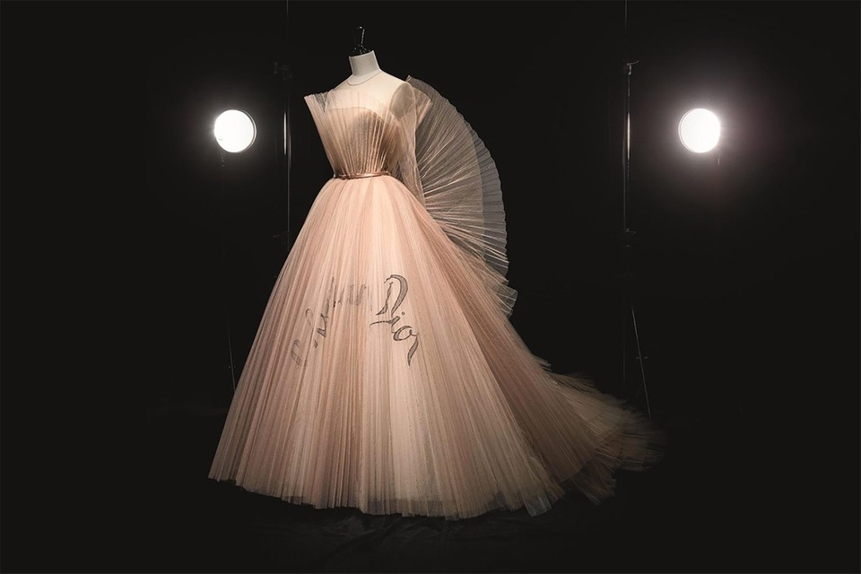 """Christian Dior: Designer of Dreams"" Is Officially The V&A's Most-Visited Exhibition"