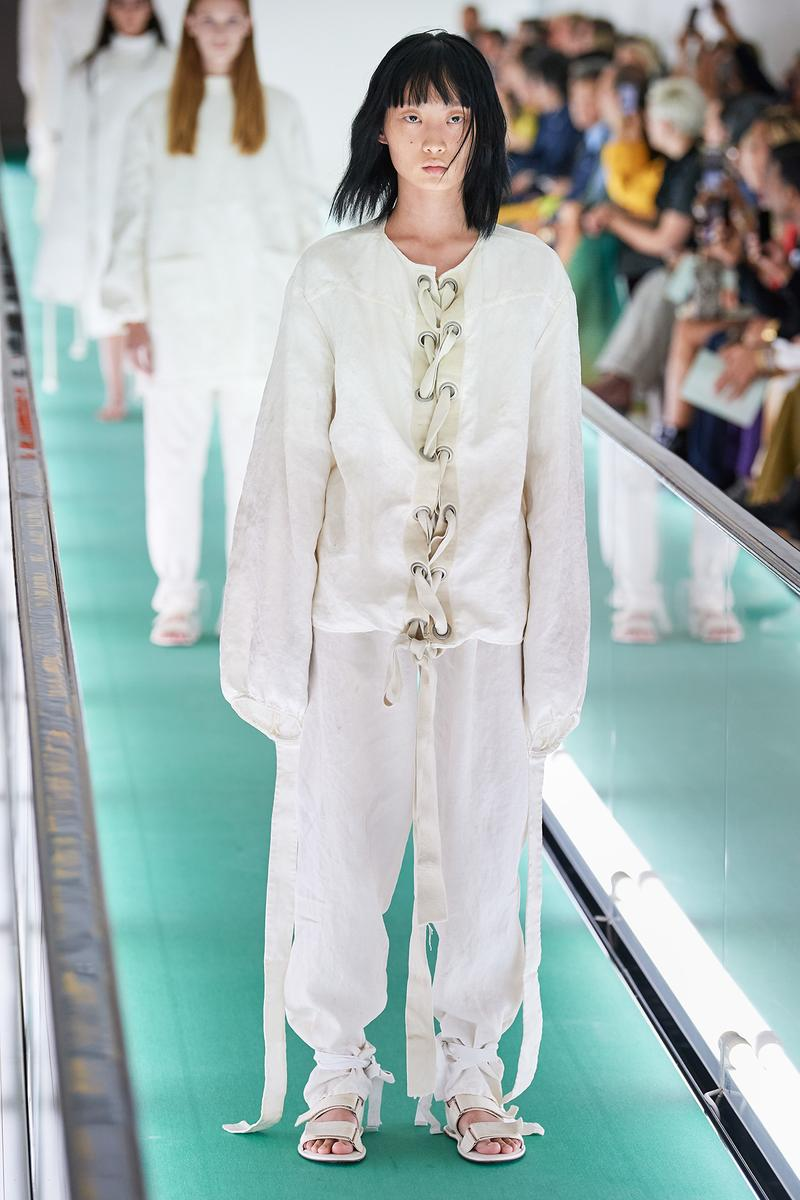 Gucci Spring Summer 2020 SS20 Catwalk Runway White Blank Straitjacket