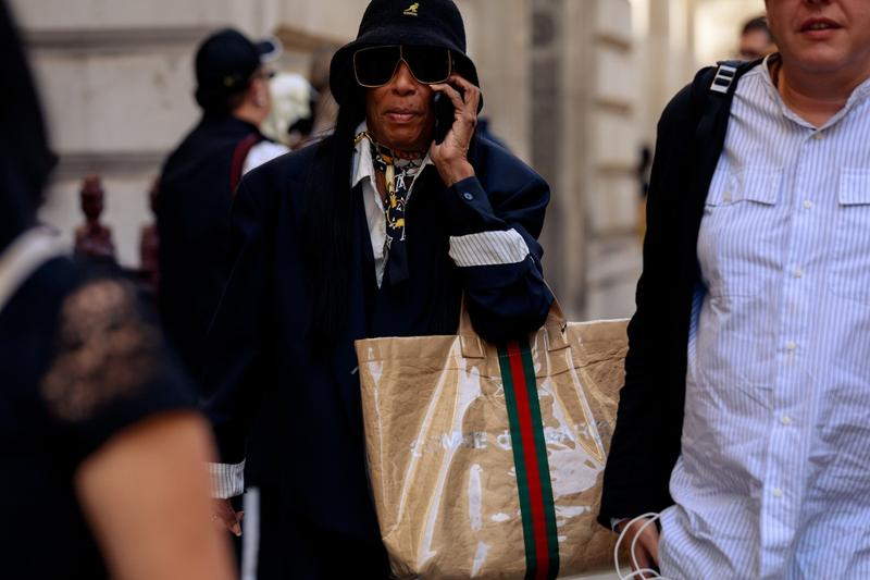 London Fashion Week Street Style Best Accessories Bags Jewelry Gucci JW Anderson Burberry Gelareh Mizrahi