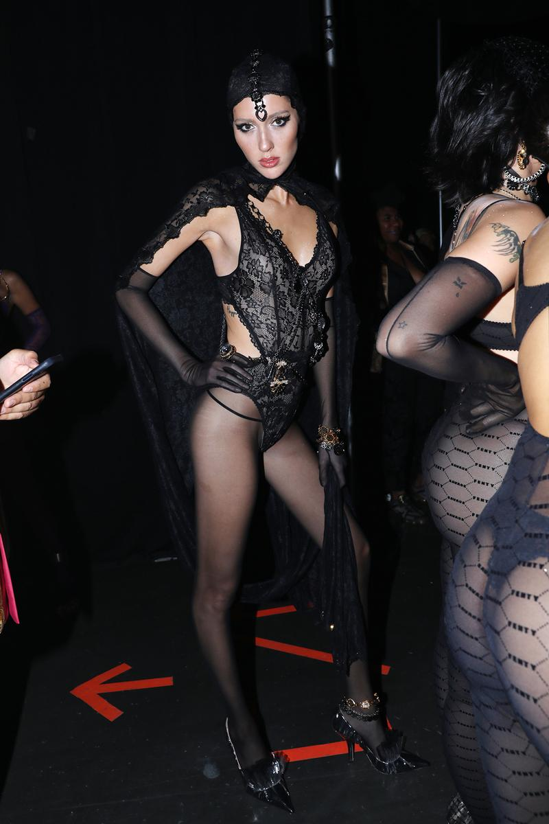 Rihanna Savage X Fenty Runway Fashion Show VIP Box Black Lace Lingerie Bodysuit Teddy Spring Summer 2020
