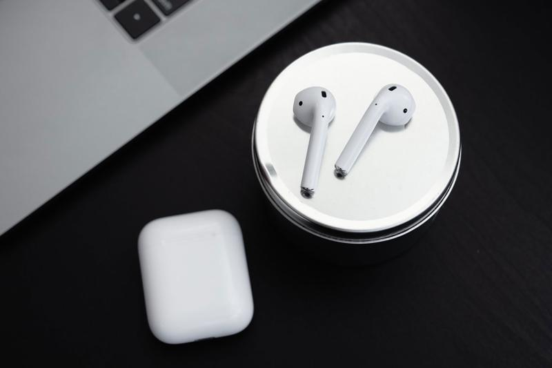 apple airpods 3 leak rumor new design tech wireless earbuds headphones music