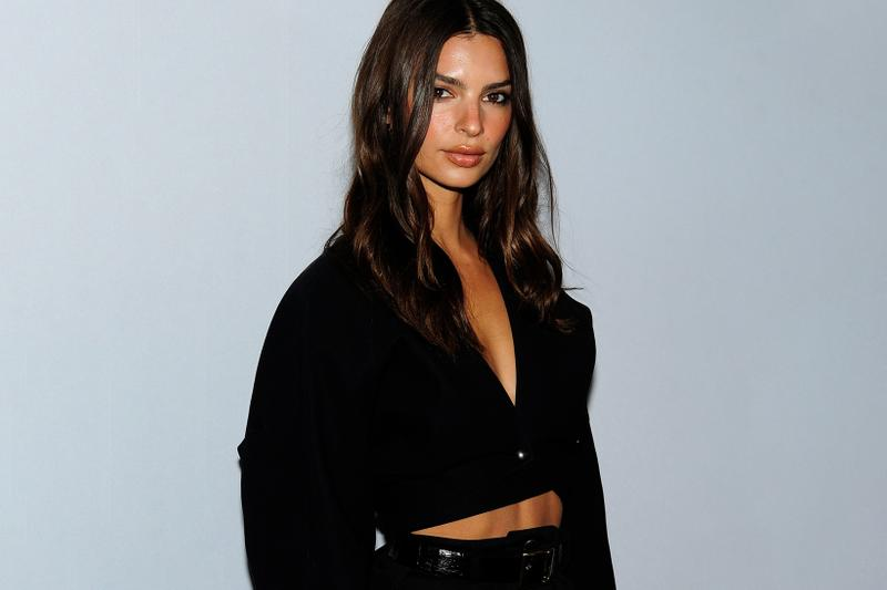 Emily Ratajkowski Lawsuite Daily Front Row Fashion Media Awards New York Photocall Black V Neck Top Shorts Model