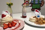 Picture of These Japanese Soufflé Pancakes Are a Hello Kitty Fan's Dream Brunch