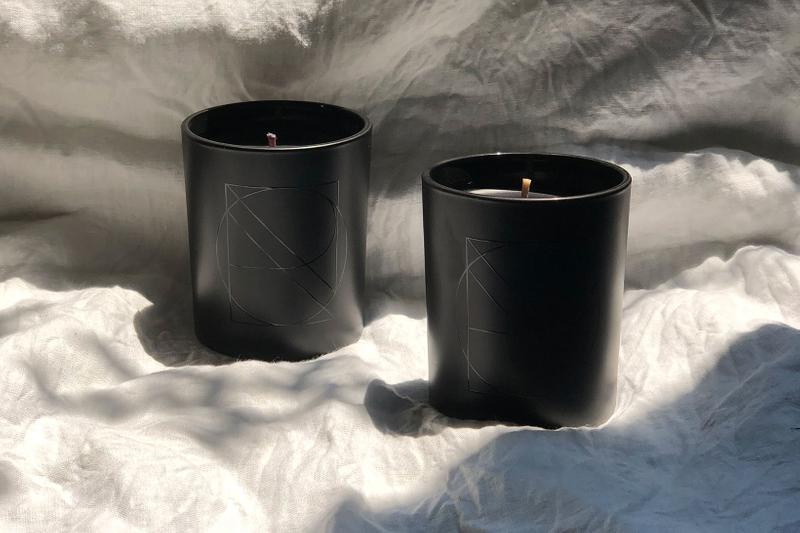 nanor candles black chic luxury fragrance aroma woody floral montreal reviews
