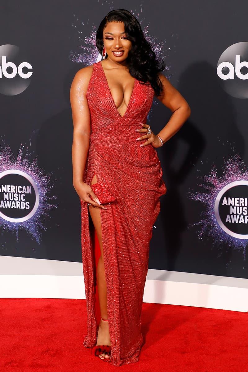 american music awards amas best celebrity red carpet looks megan thee stallion red dress clutch heels