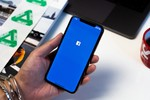 Picture of A Facebook Bug Has Secretly Been Turning Your iPhone Camera On