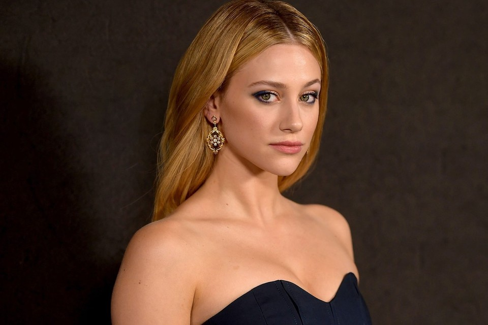 "Lili Reinhart Calls Out Photo-Editing Apps For ""Creating Unrealistic Standards Of Human Bodies"""