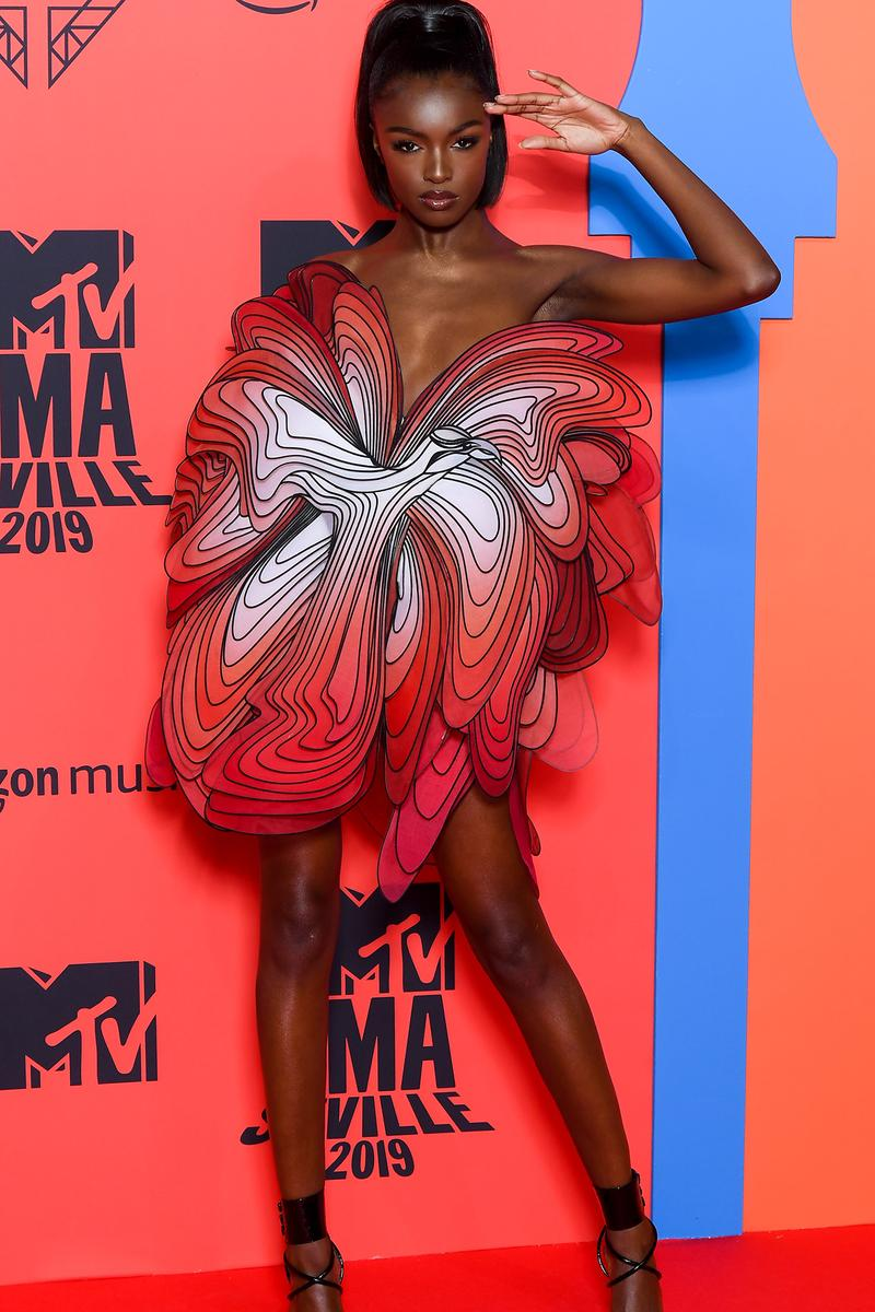 Leomie Anderson Iris Van Herpen Dress Red Haute Couture MTV EMAs 2019 Red Carpet Model