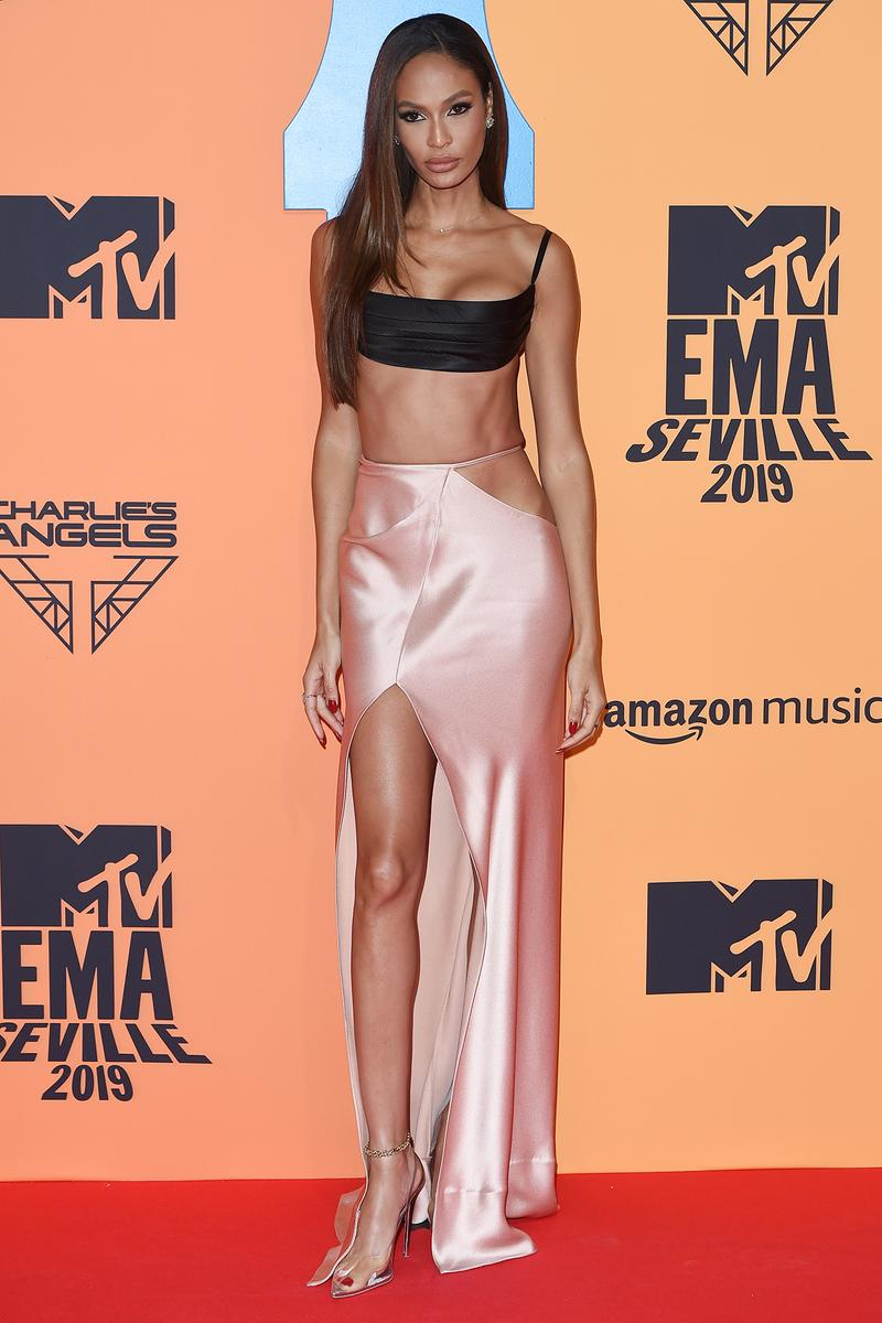Joan Smalls MTV EMAs 2019 Red Carpet Dress Gown Model Supermodel