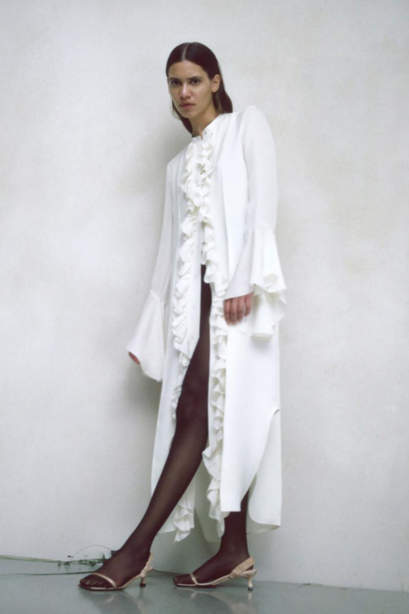khaite pre fall 2020 collection cate holstein lookbook blouses suits jackets jeans belt