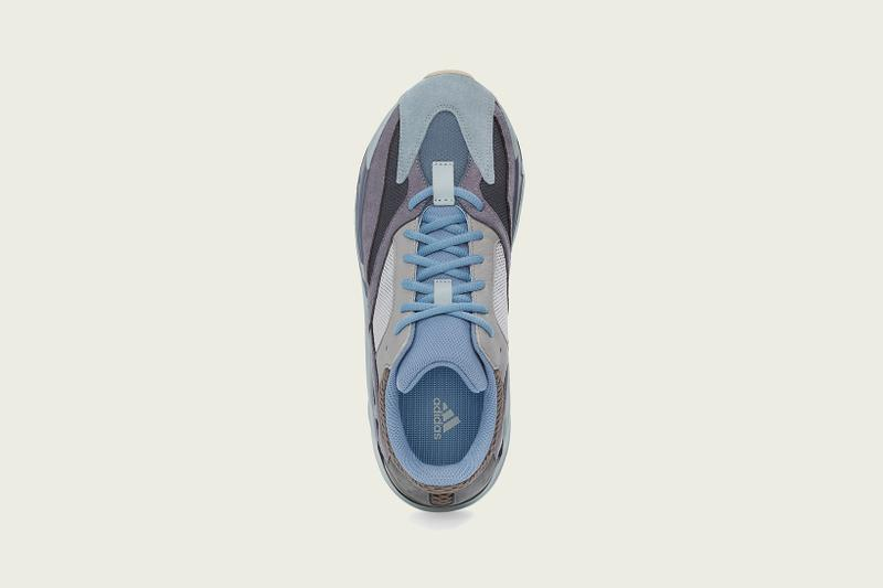 YEEZY BOOST 700 Carbon Blue adidas Originals