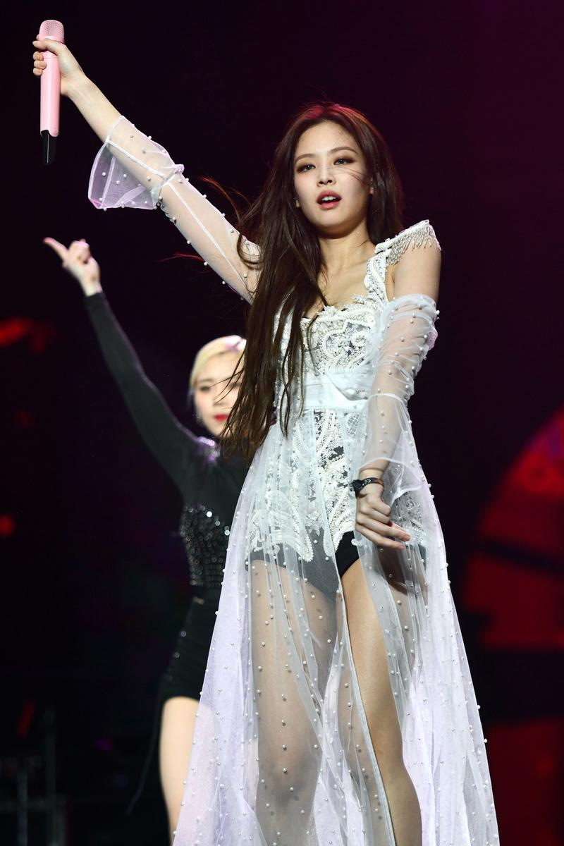 Jennie Kim BLACKPINK Birthday Best Fashion Outfits Looks Inspiration