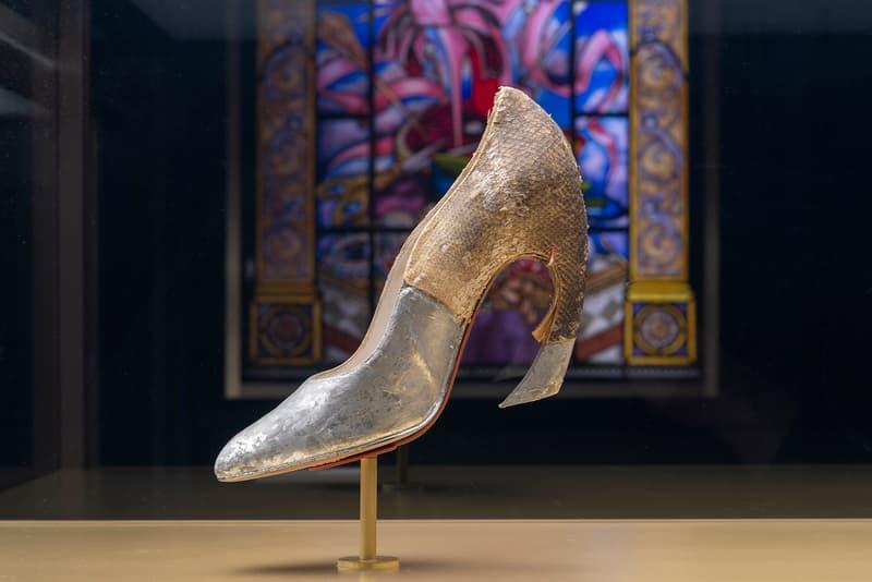 Christian Louboutin, Exhibition[niste] Palais de la Porte Dorée Silver Shoe