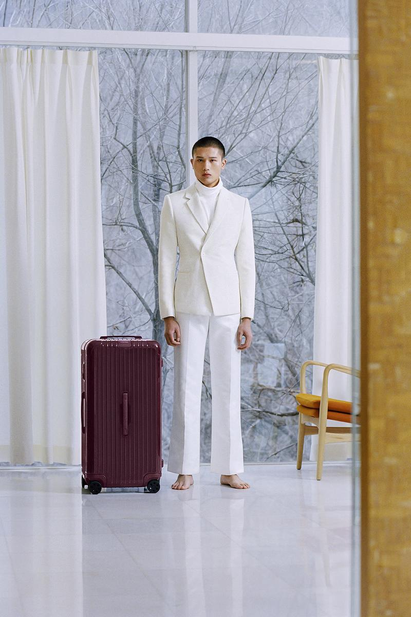 RIMOWA Essential Trunk Plus Berry