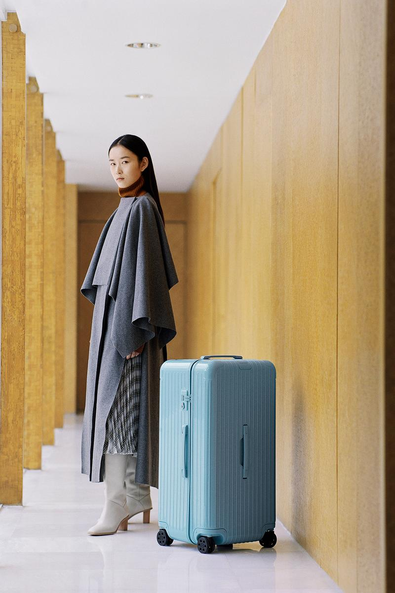 RIMOWA Essential Check-In Glacier