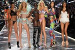 Picture of UPDATE: L Brands CEO Leslie Wexner Steps Down Amid Victoria's Secret Buyout
