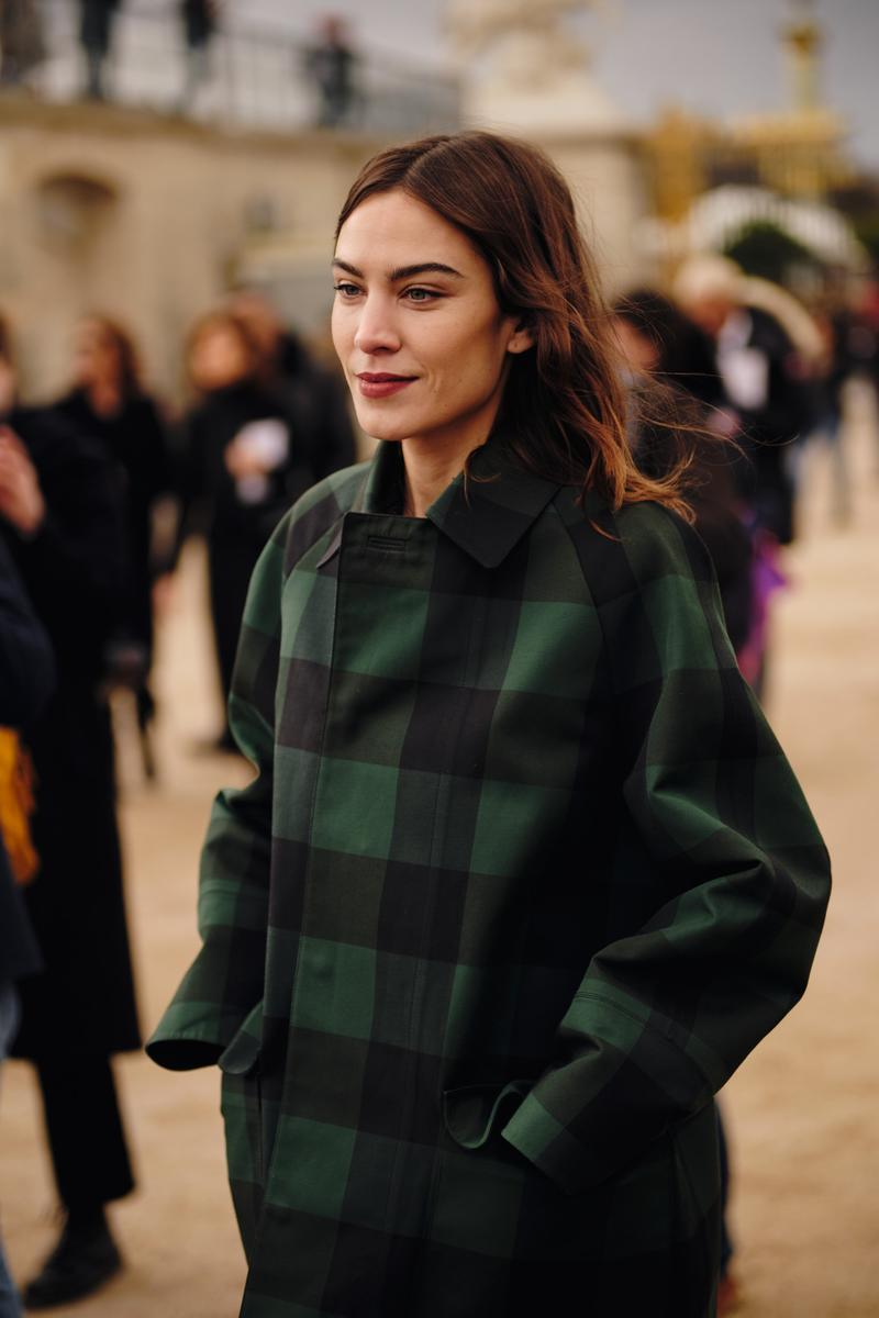 Paris Fashion Week Fall/Winter 2020 Street Style Alexa Chung