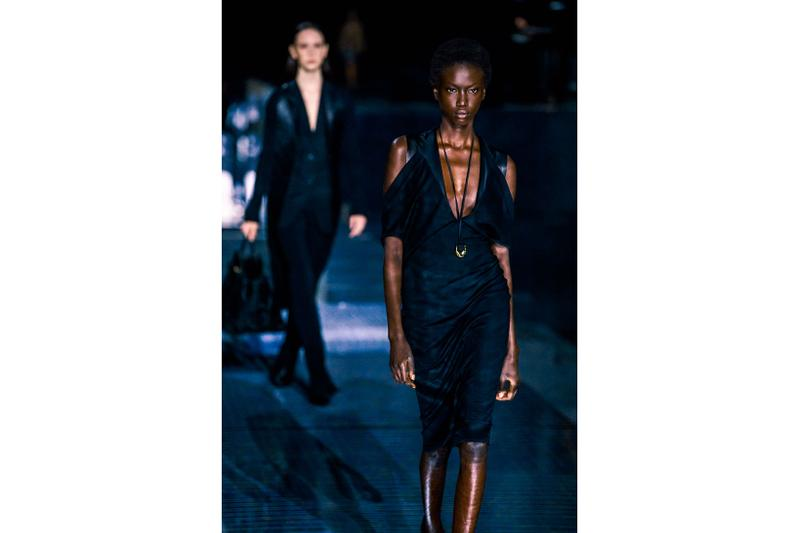 burberry fall winter london fashion week runway riccardo tisci carbon neutral sustainability