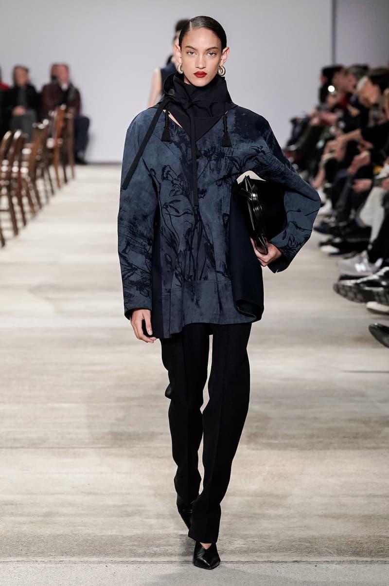 Jil Sander Fall/Winter 2020 Collection Runway Show Floral Tunic Navy Pants Black