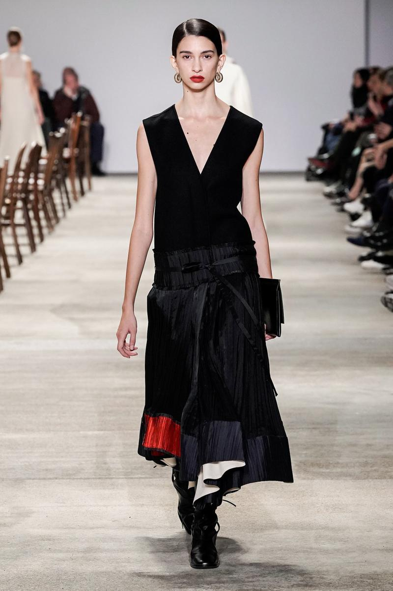 Jil Sander Fall/Winter 2020 Collection Runway Show Dress VNeck Black Red
