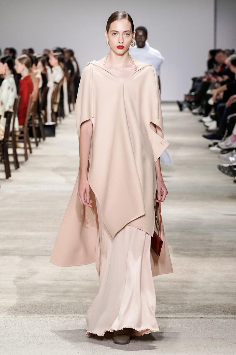Jil Sander Fall/Winter 2020 Collection Runway Show Poncho Pink