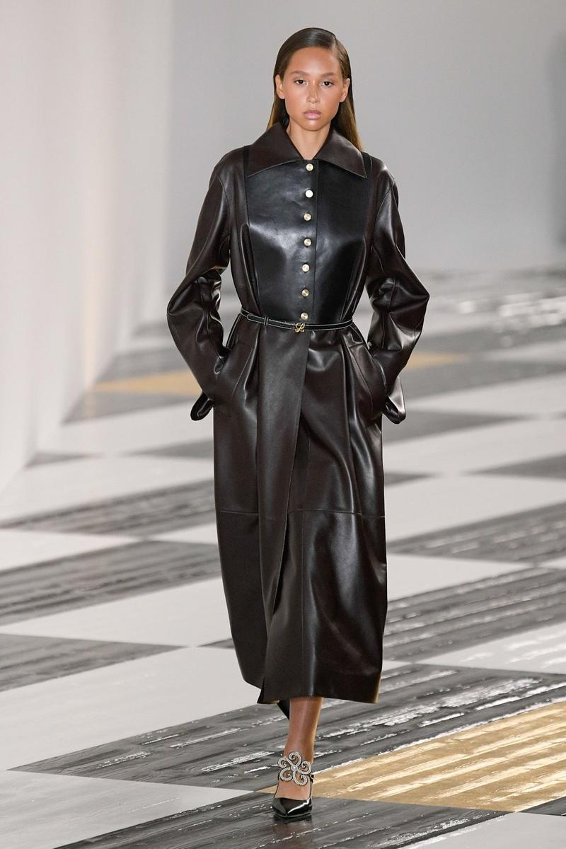 Loewe Fall/Winter 2020 Collection Runway PFW Show Jonathan Anderson Paris Fashion Week