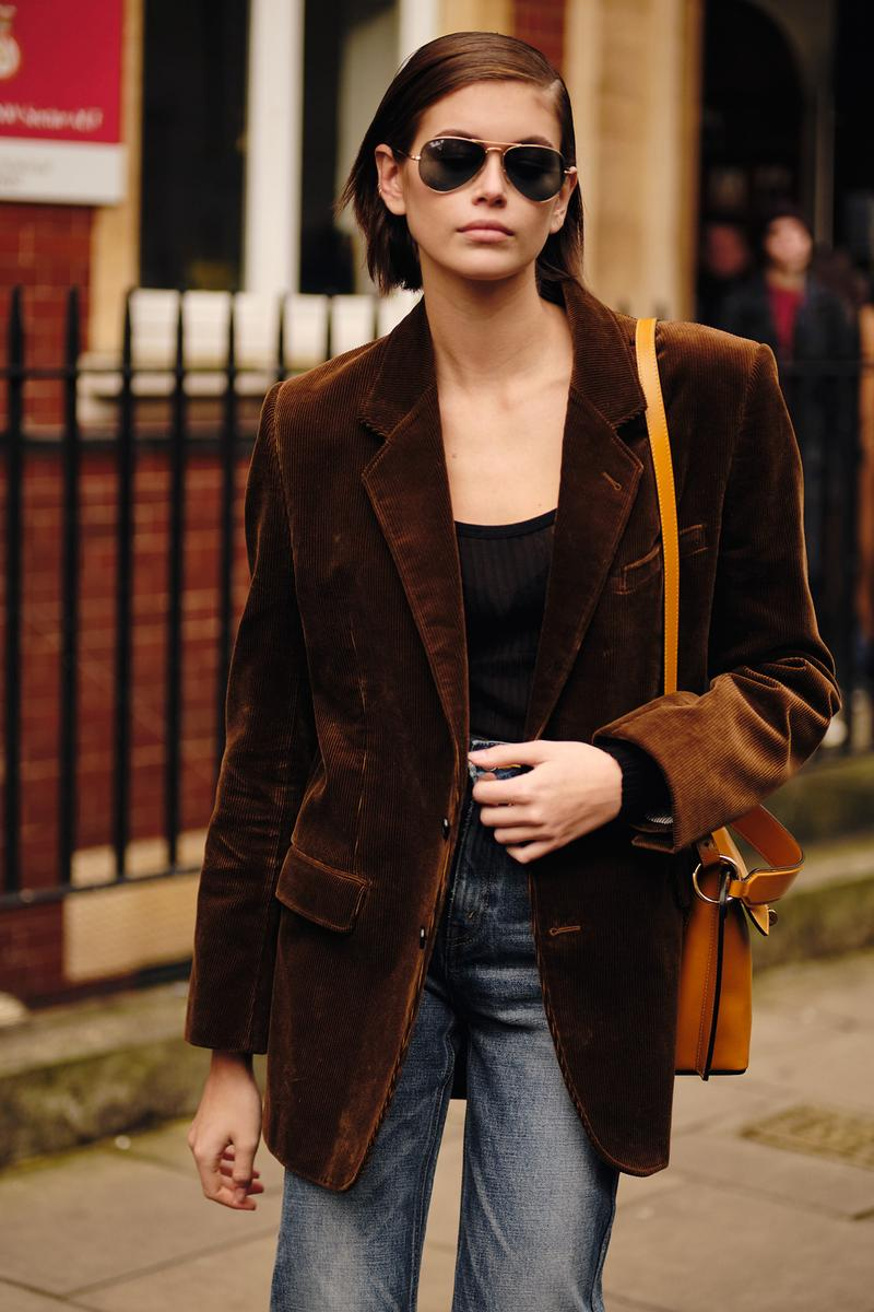 Kaia Gerber Fall Winter 2020 London Fashion Week Off Duty Model Style Blazer Sunglasses Bag