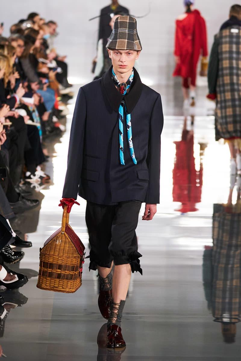 Maison Margiela Fall/Winter 2020 Collection Runway Show Coat Black Wicker Bag