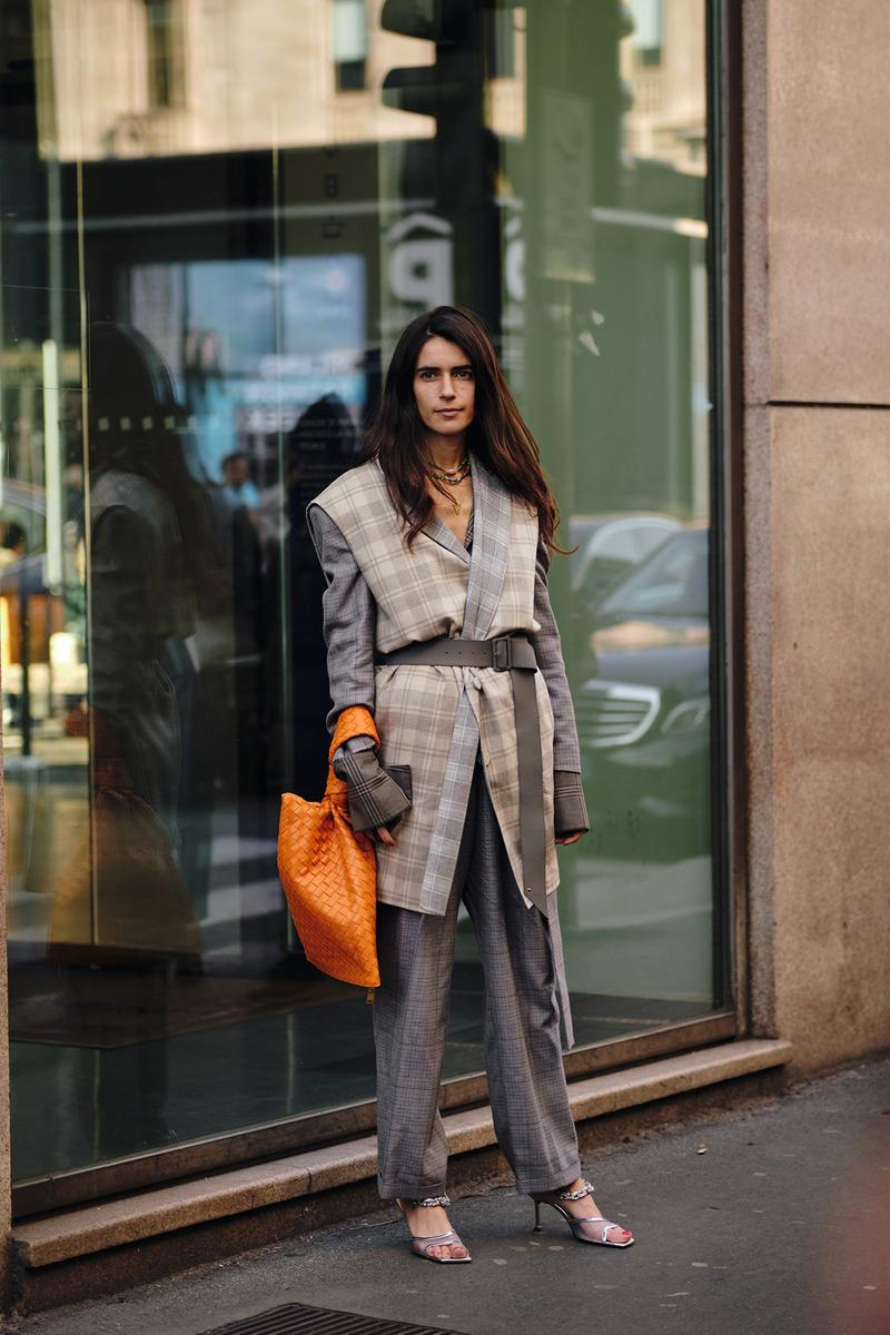 Bottega Veneta Twist Bag Orange Street Style Trends Milan Fashion Week Fall Winter 2020 FW20 influencer