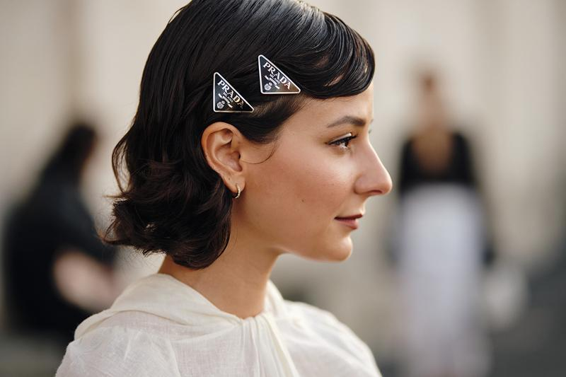 Street Style Trends Milan Fashion Week Fall Winter 2020 FW20 influencer Prada Hair Clips Logo Alyssa in the City