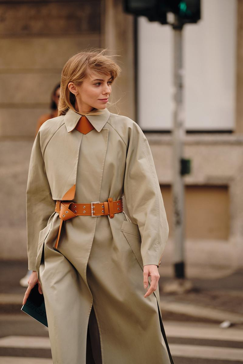 Street Style Trends Milan Fashion Week Fall Winter 2020 FW20 Influencer Beige Trench Coat Belt