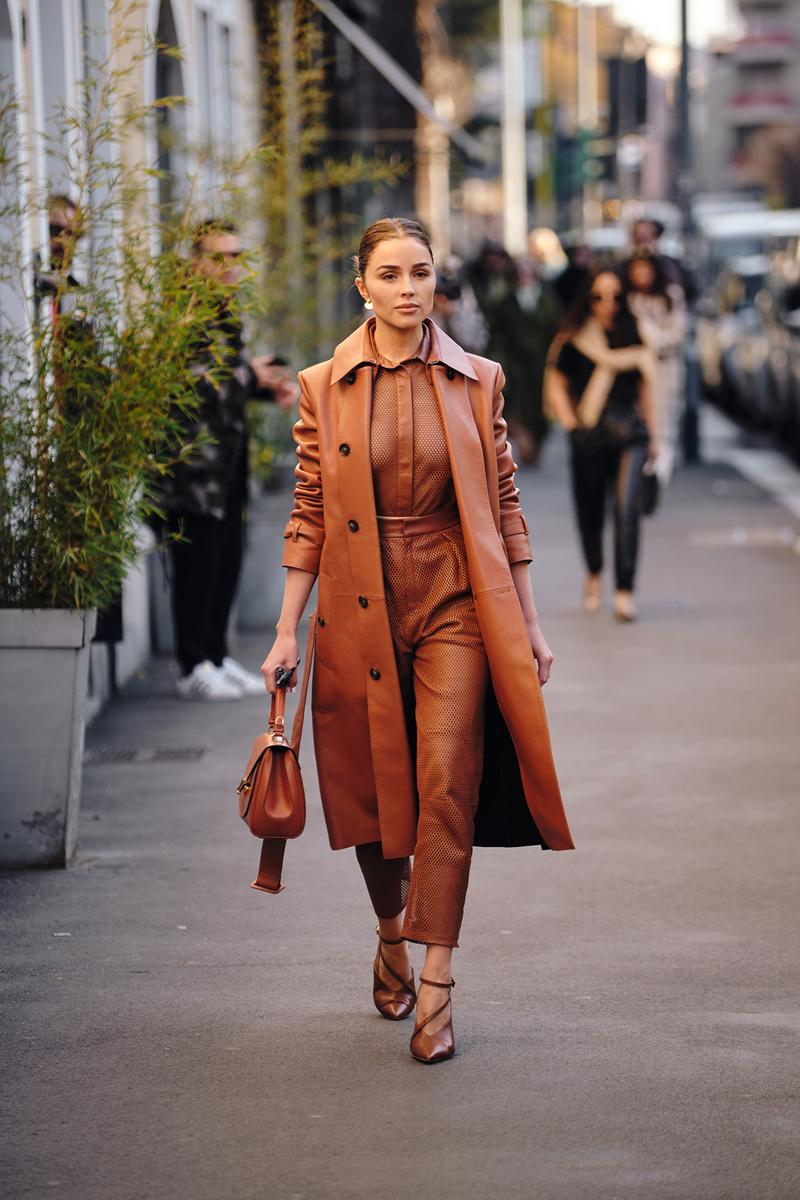 Street Style Trends Milan Fashion Week Fall Winter 2020 FW20 Influencer Brown Leather Coat