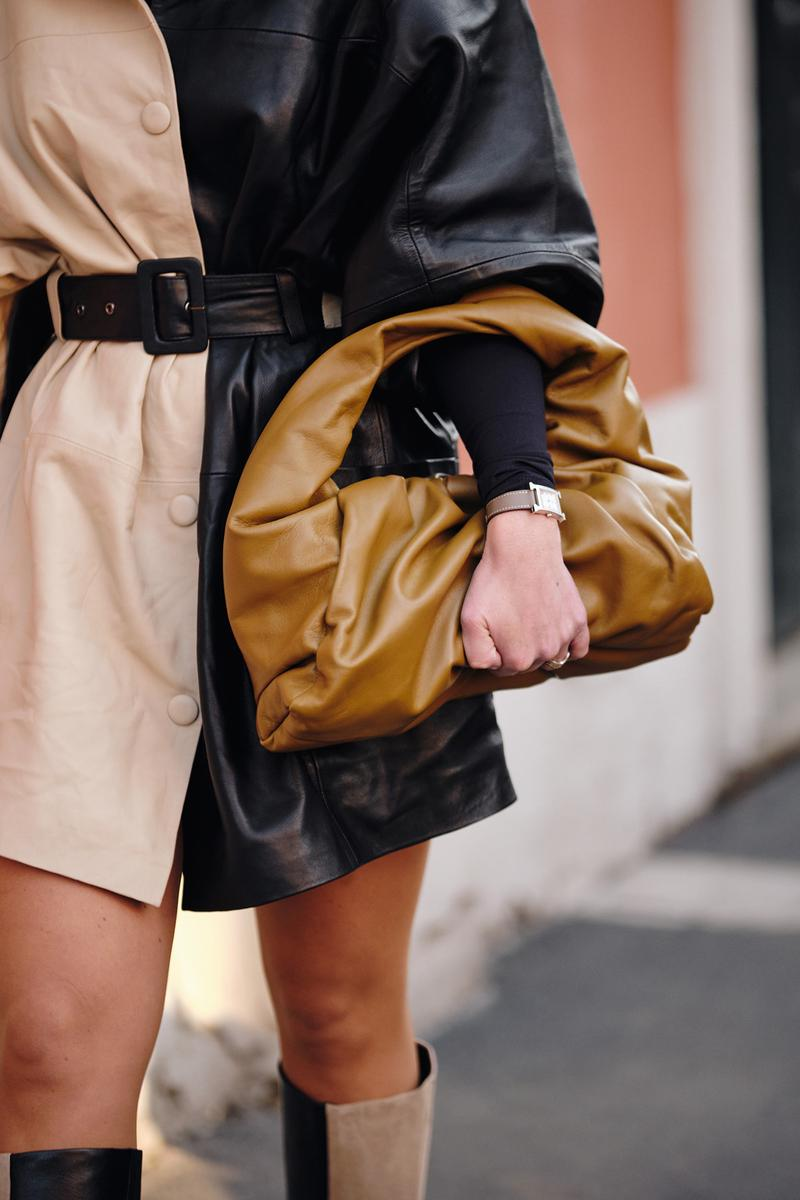 Bottega Veneta shoulder pouch Bag brown Street Style Trends Milan Fashion Week Fall Winter 2020 FW20 influencer