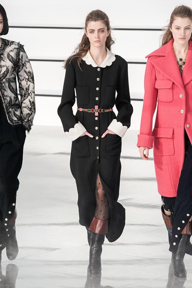 Chanel Fall/Winter 2020 Runway Collection PFW Gigi Hadid Fashion Show