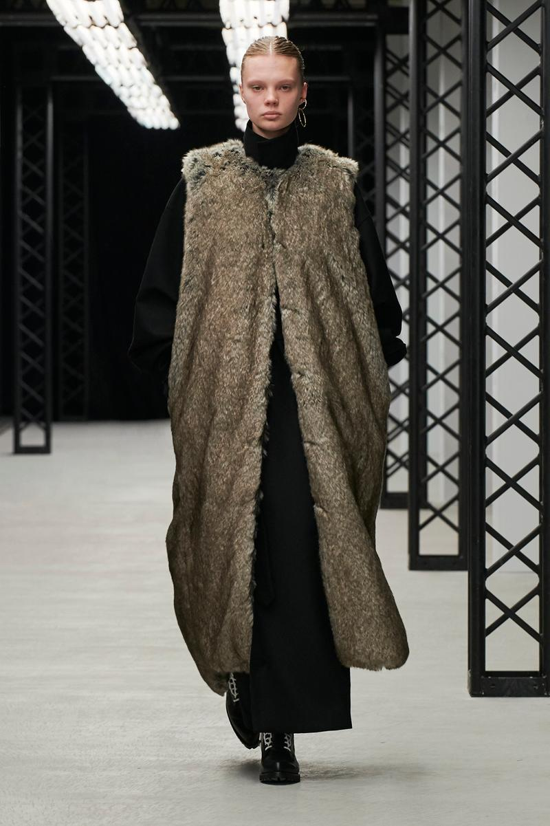 HYKE Fall/Winter 2020 Collection Runway Show Long Vest Brown