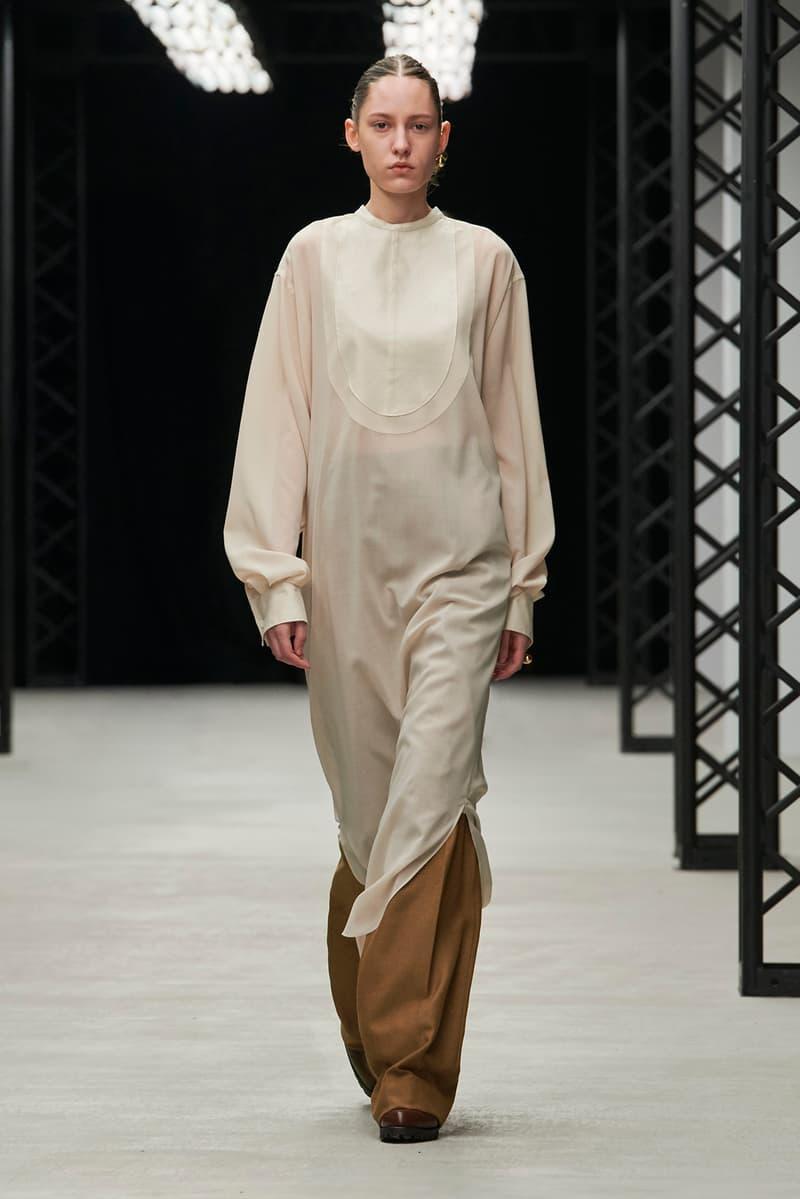 HYKE Fall/Winter 2020 Collection Runway Show Midi Dress White Smock