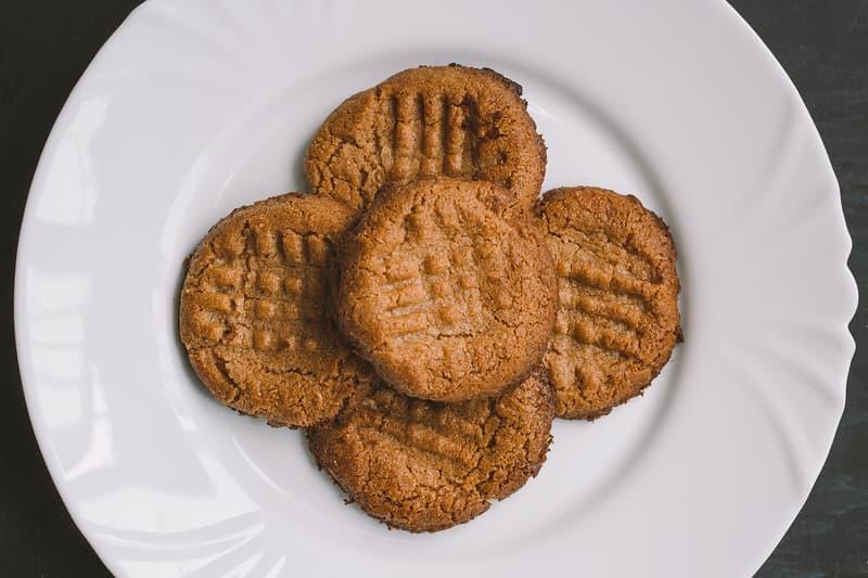 tiktok 3 ingredient peanut butter cookie baking dessert recipe
