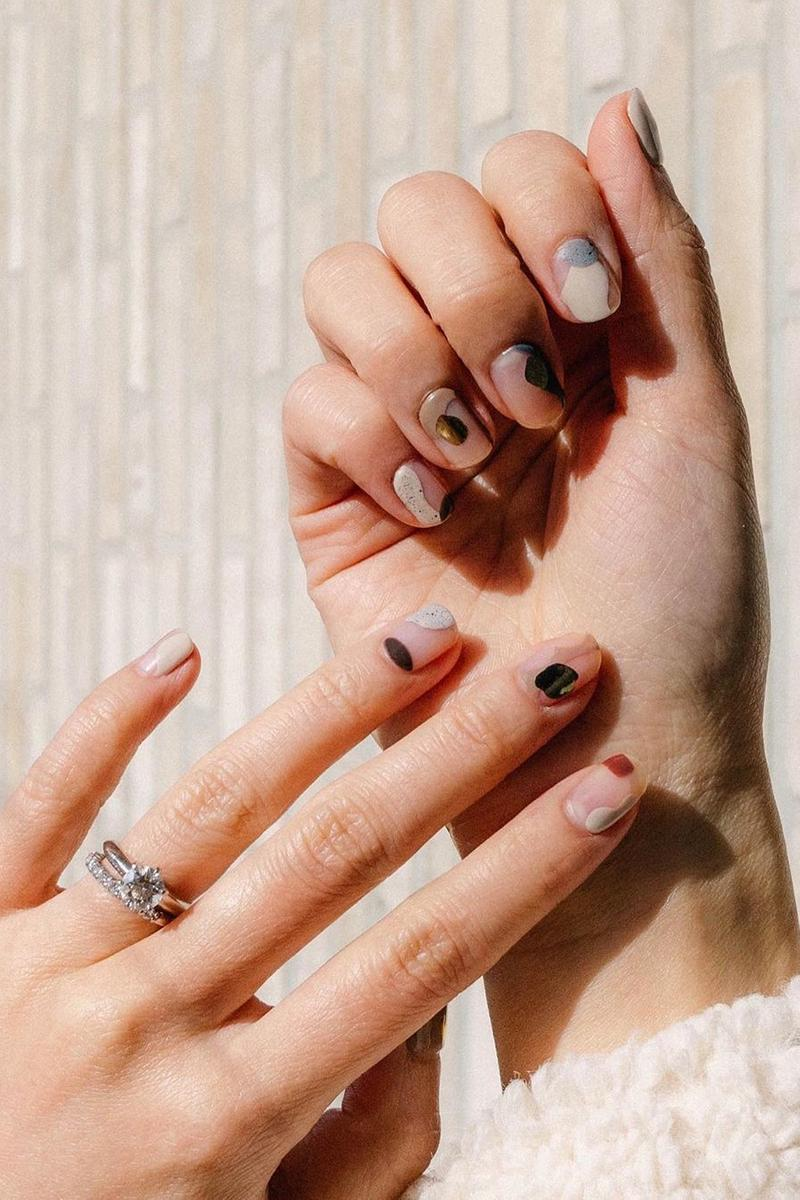 nails minimalist nail art manicure eggcanvas ring jewelry