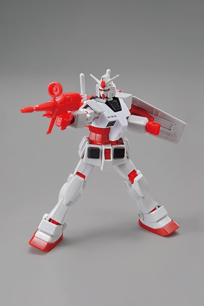 UNIQLO UT x Gundam GUNPLA Collection Collaboration Figurine Red